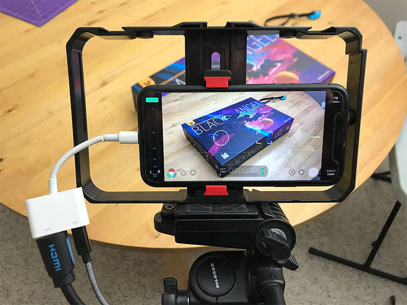 iPhone 11 HDMI out